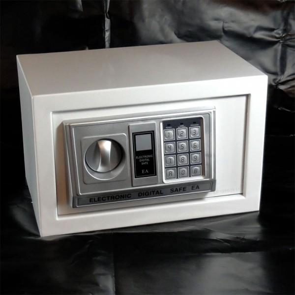 m beltresor safe tresor weiss ca 12l elektr zahlenschlo notschl ssel tresore. Black Bedroom Furniture Sets. Home Design Ideas
